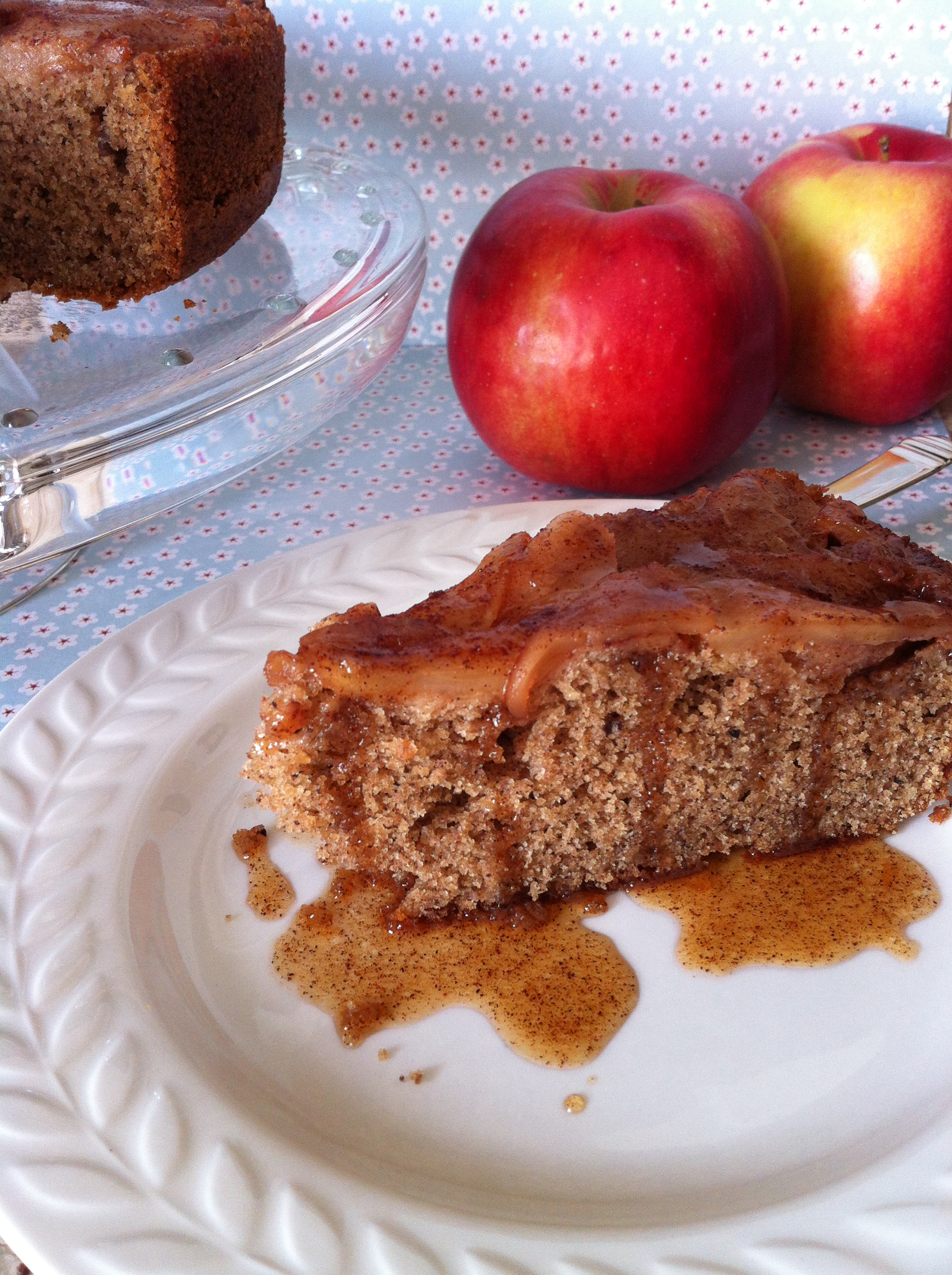 gluten free apple cinnamon pecan oilve oil cake