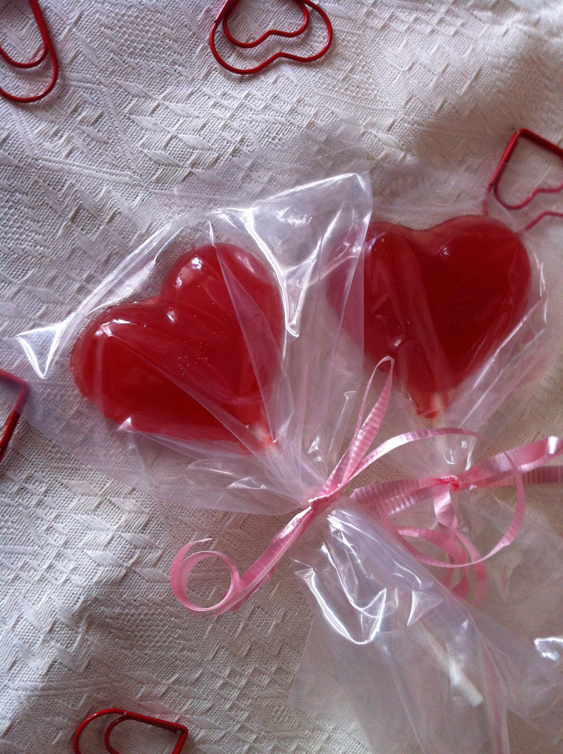 cinnamon heart shaped lollipops