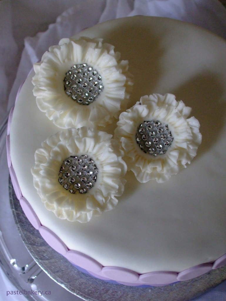 gluten free dairy free wedding cake pastel bakery